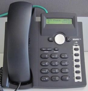 Créer une conférence téléphonique avec un snom 300.